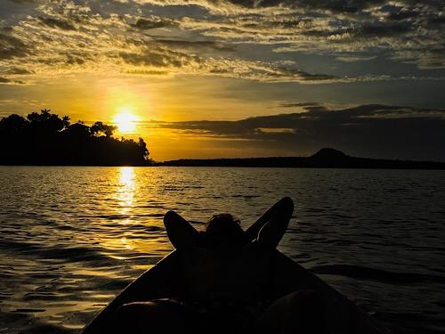 Por do sol no lago de Alter do chão